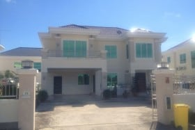 Double Storey Detached House in Menglait